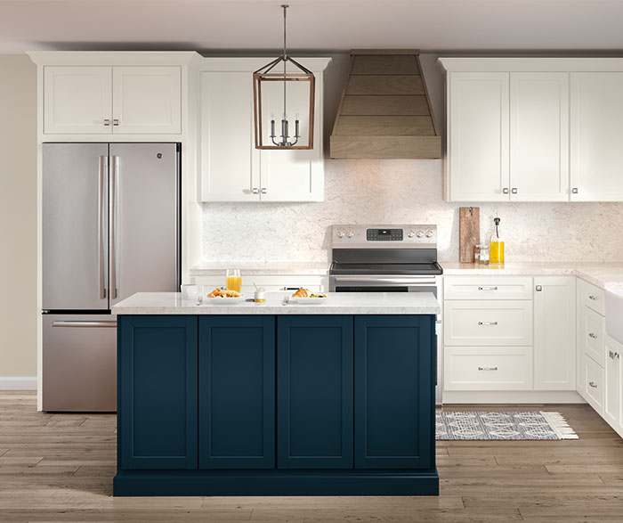 casual_painted_white_and_purestyle_blue_kitchen_cabinets_2