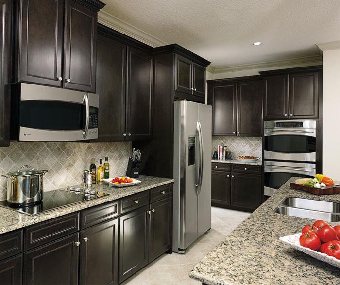 Sarsaparilla cabinets in casual kitchen by Aristokraft Cabinetry